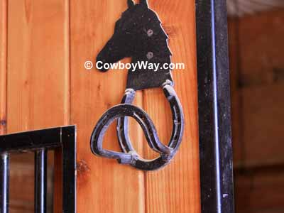 Bridle hook