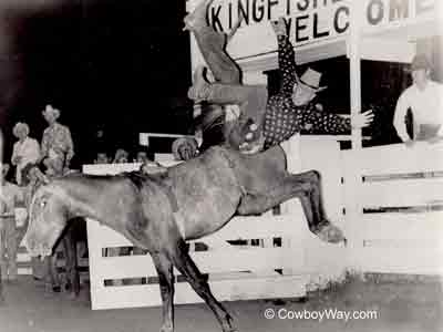 Bill Becker on a bronc at Kingfisher, OK