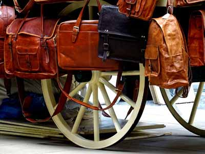 Western messenger bags made of leather